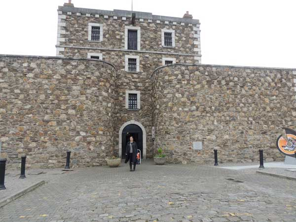 sinead at the main gate of wicklow gaol